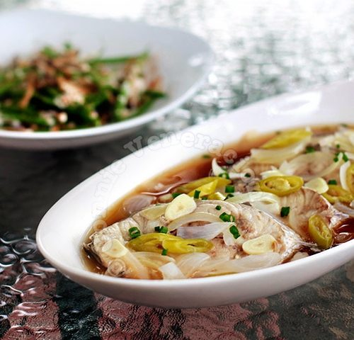 Vietnamese-style Steamed Fish Steaks