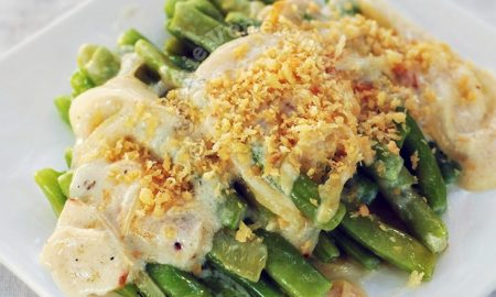 Green Beans With Caramelized Onions and Béchamel Sauce