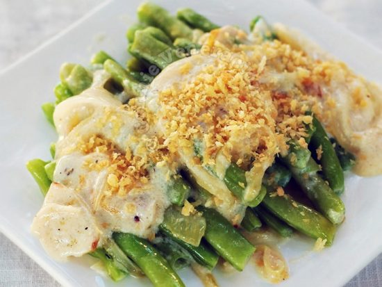 Green Beans With Caramelized Onion and Béchamel Sauce