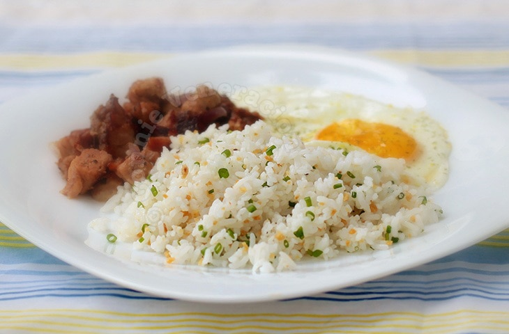Garlic and Scallion Rice | casaveneracion.com