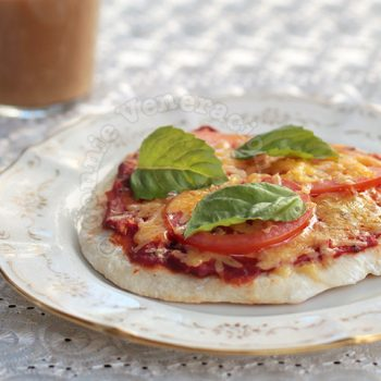 Flatbread Pizza Margherita