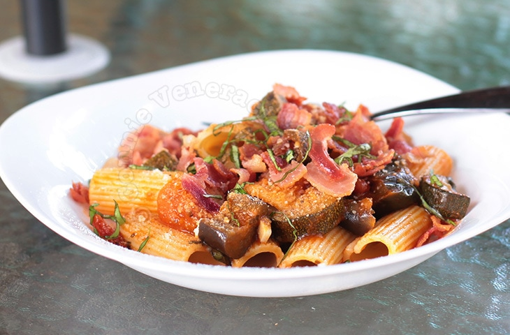 Ratatouille Pasta With Bacon and Parmesan | casaveneracion.com