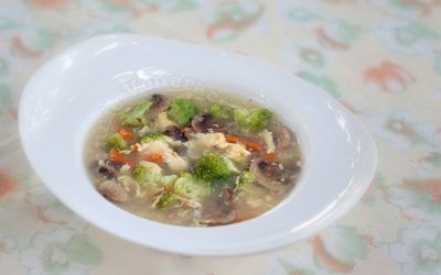Mushrooms and Broccoli Egg Drop Soup