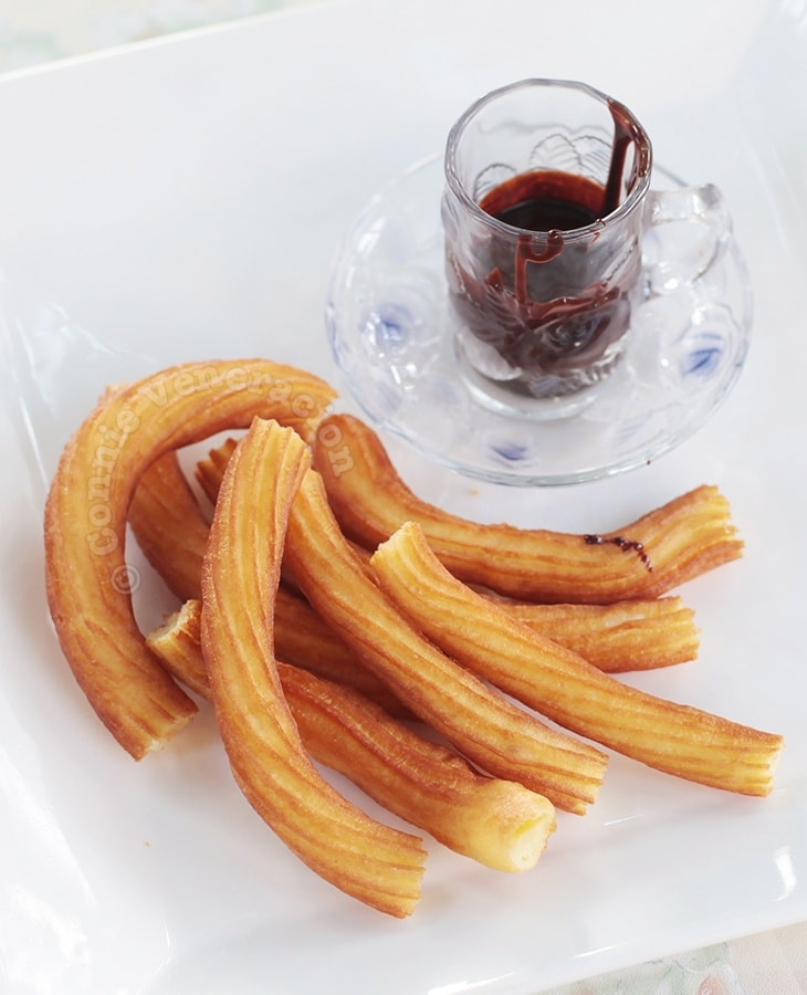 Alex's Churros Con Chocolate | casaveneracion.com