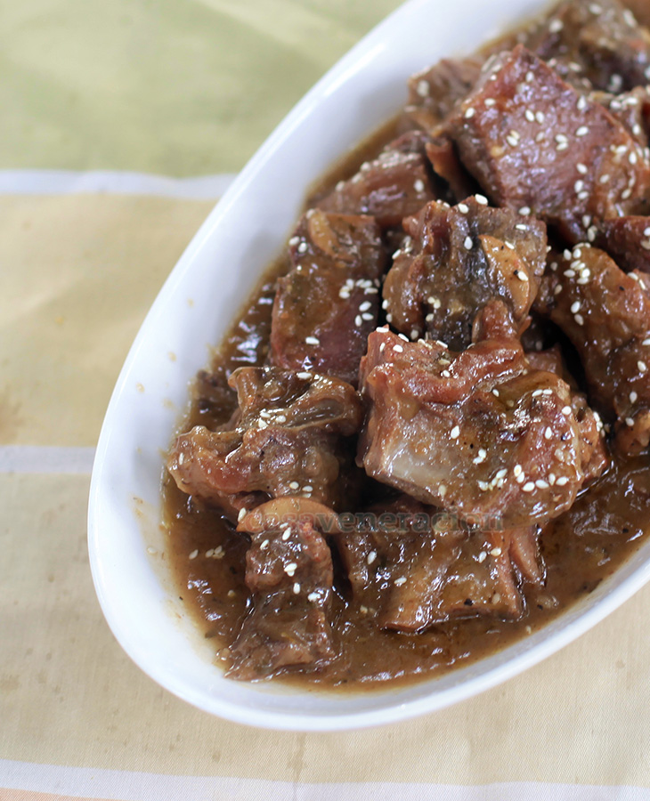 Alex's Slow Cooker Beef and Gravy | casaveneracion.com