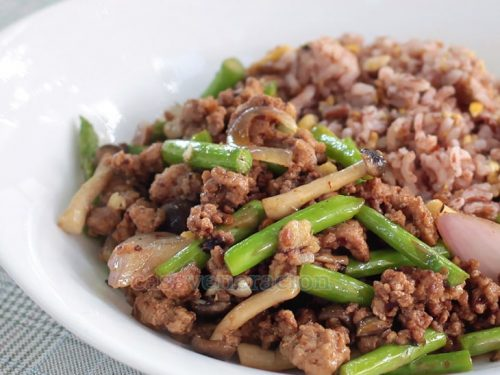 Spicy Ground Pork, Mushrooms and Asparagus Stir Fry