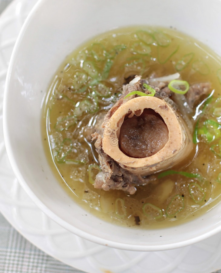 No-frills Slow Cooker Beef Bone Marrow Soup