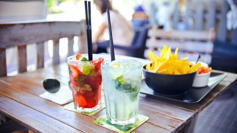 Finger Foods And Drinks For A Marvelous Summer Cocktail Party