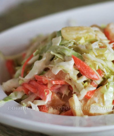 Cabbage, carrot and pineapple coleslaw