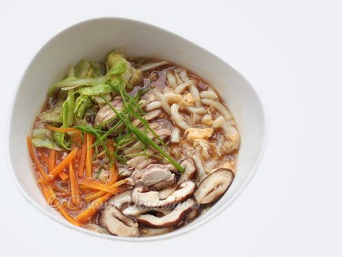 Lor Mee: Chinese-style Noodles in Thick Broth