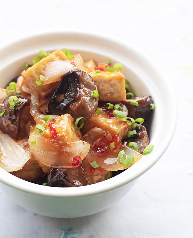 Mushrooms and Tofu With Lemongrass Chili Sauce