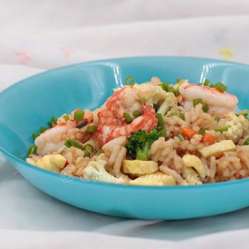 Shrimp Fried Rice With Broccoli and Cauliflower