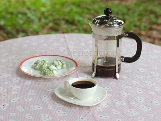 There are no strict rules for brewing coffee in a French press. But there are tricks to get excellent rather than merely good coffee. Click to read more.