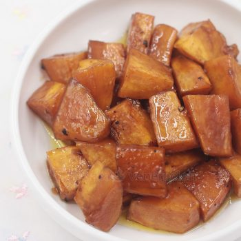 A traditional Thanksgiving side dish, these brown sugar glazed baked sweet potatoes are just as good with fried chicken, pork chops and roast beef!