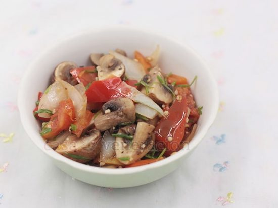 An easy to prepare appetizer, these pepper garlic mushrooms are cooked in butter and lime juice. The red peppers add color and a subtle sweetness.