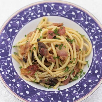 If you're scared of eating semi-raw eggs in your pasta carbonara, switch to powdered salted eggs for a tastier noodle dish. Don't forget the bacon though!