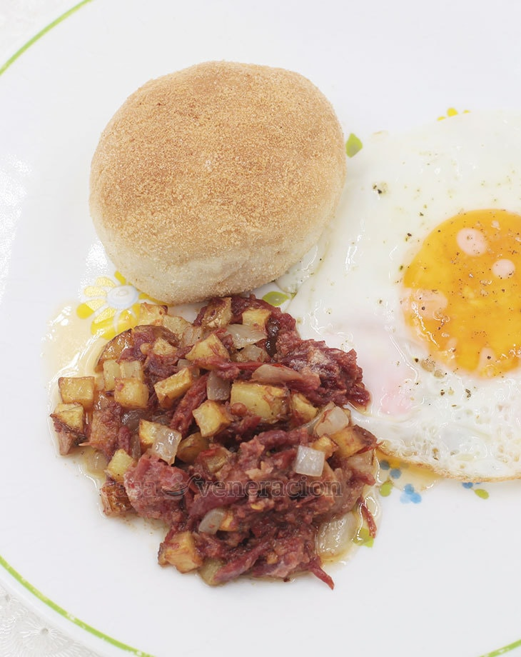 Corned beef hash and egg for breakfast casa veneracion a popular breakfast dish corned beef hash is believed to have originated during world war forumfinder Gallery