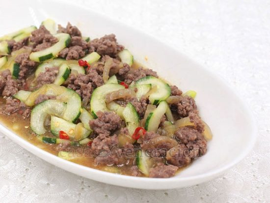 Chili Ground Pork and Cucumber Stir Fry