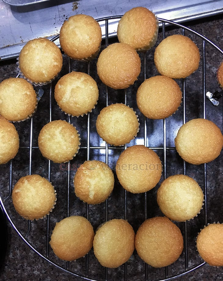 Addictive little buggers, these Chinese egg cakes are sponge-y and light, and lovely with tea. So easy to make because there is no need to separate the egg yolks from the whites.