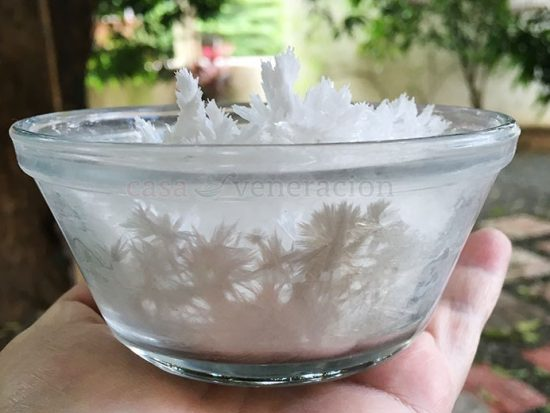 Deodorize Your Refrigerator With A Bowl of Baking Soda