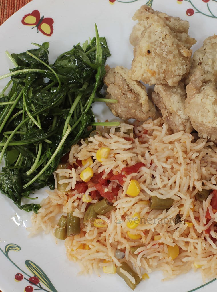 Basmati rice was cooked with sweet corn, green beans and tomatoes in excess bone broth. We enjoyed our corn and bean rice with fried chicken fillets and a simple arugula salad.