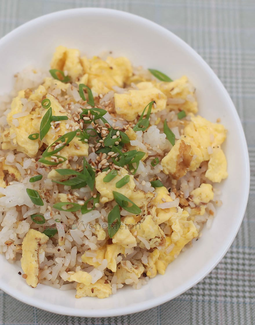 Egg fried rice is the most basic and simplest of Chinese fried rice dishes. It's mighty good! But add garlic and it's even better. Here's a recipe with step-by-step photos.
