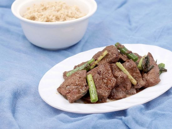 Chinese-style Pork Liver and Spring Onions Stir Fry