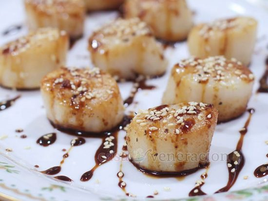 Honey Ginger Teriyaki Scallops
