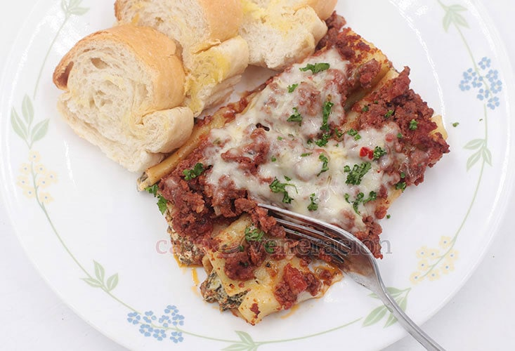 Make Spinach and Cream Cheese Stuffed Cannelloni With Meat Sauce For Dinner Today!