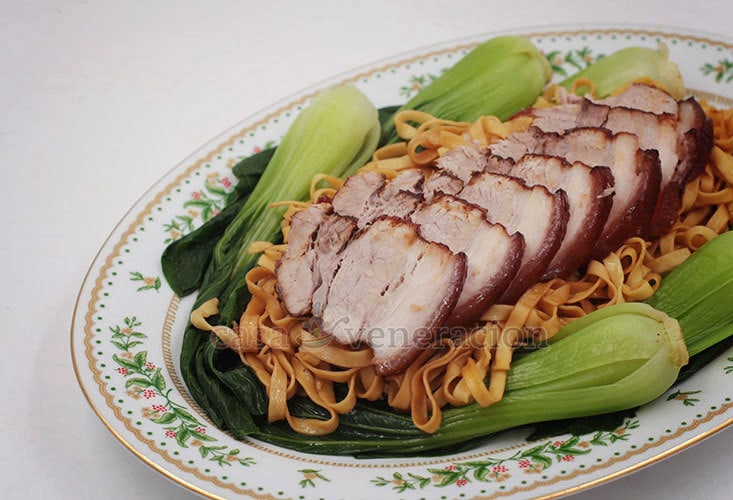 How To Cook Five-spice Braised Pork Belly With Noodles and Bok Choy