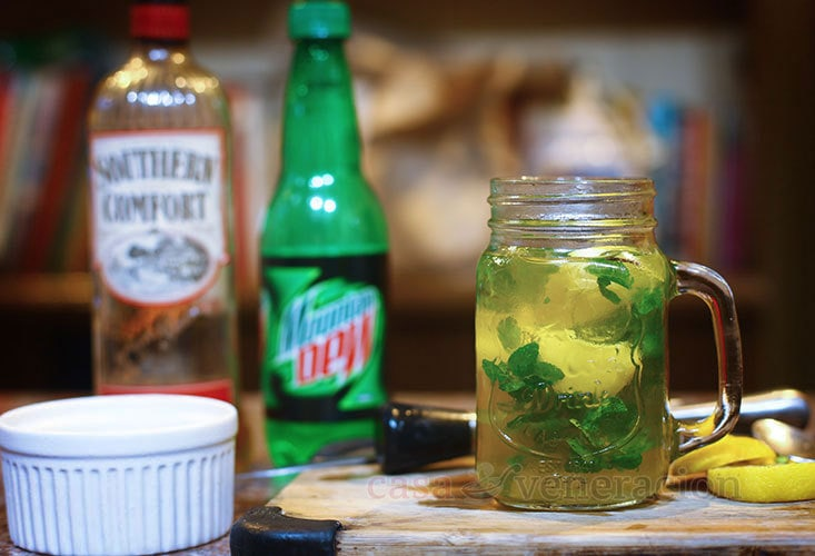 How to Mix Southern Comfort and Mountain Dew Cocktail