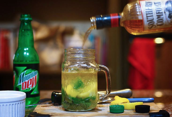 Southern Comfort and Mountain Dew Cocktail Recipe, Step 3: Top with Southern Comfort