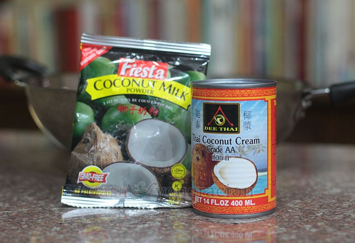 Powdered and canned coconut cream / milk