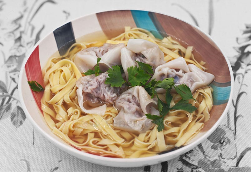 How to Cook Wonton Noodle Soup With Bone Broth