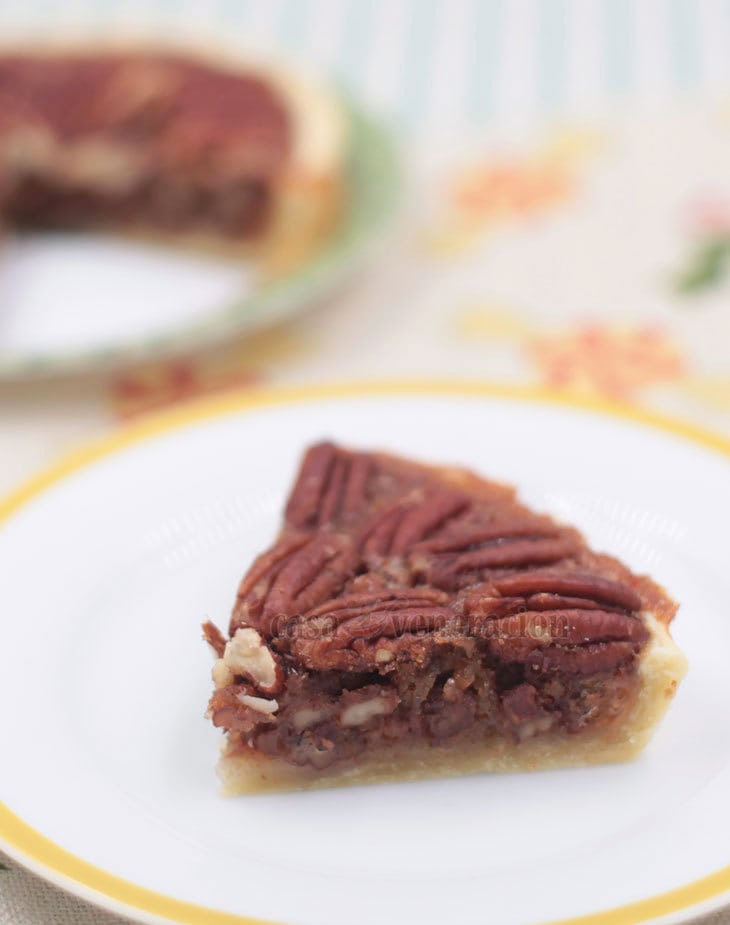 A Thanksgiving and Christmas Dessert: Easy Tasty Pecan Tart