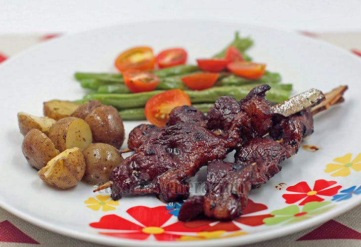 Dress up the ubiquitous street food! Serve pork BBQ with special side dishes for Christmas.