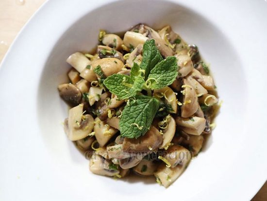 The perfect partner of New Year's eve cocktails: Lemon Mint Mushrooms