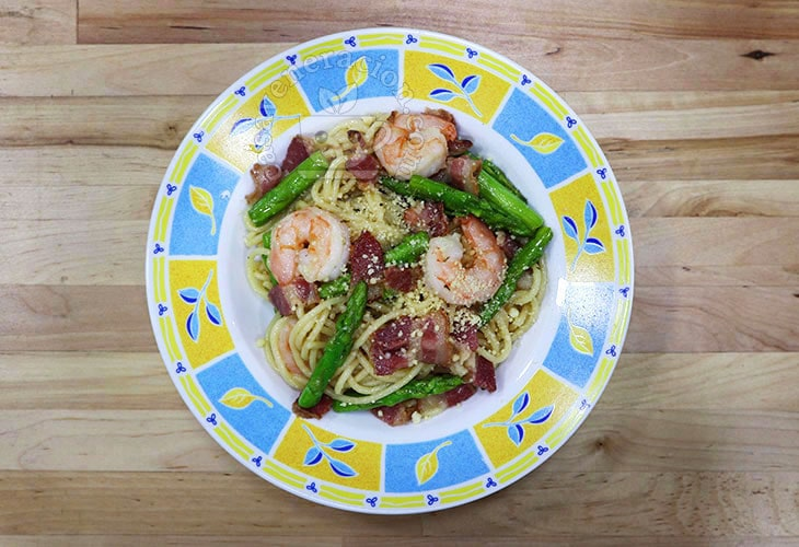 20-minute Bacon, Shrimps and Asparagus Spaghetti