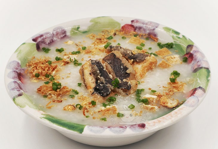 How to Cook Slow Cooker Congee with Crispy Fried Fish and Tofu