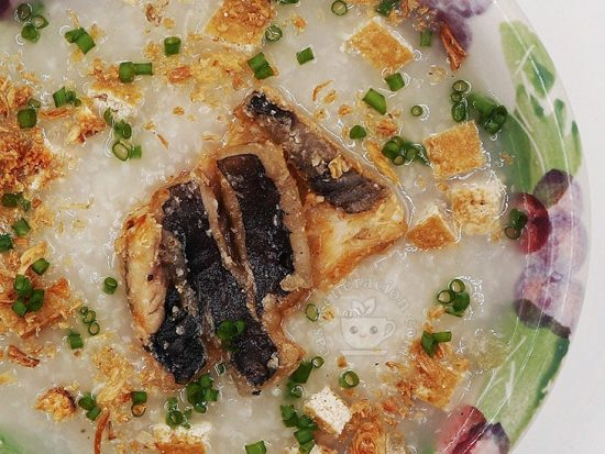 Slow Cooker Congee with Crispy Fried Fish and Tofu