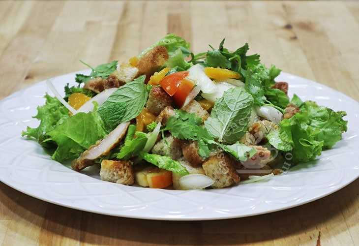 Herbed Peach and Chicken Salad Recipe