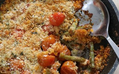 Thanksgiving Side Dish Recipe: Baked Green Beans and Cherry Tomatoes with Panko-Parmesan Topping