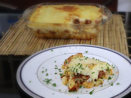 Baked Macaroni with Cheese Sauce