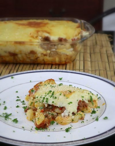 Baked Macaroni with Cheese Sauce recipe