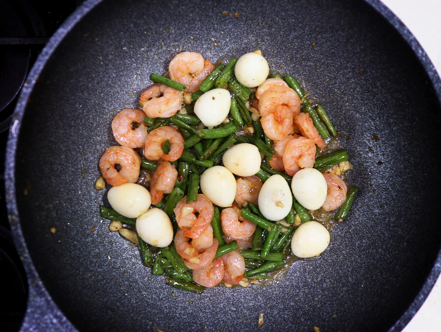 Sitaw Guisado (Sauteed String Beans) with Shrimps and Quail Eggs Recipe