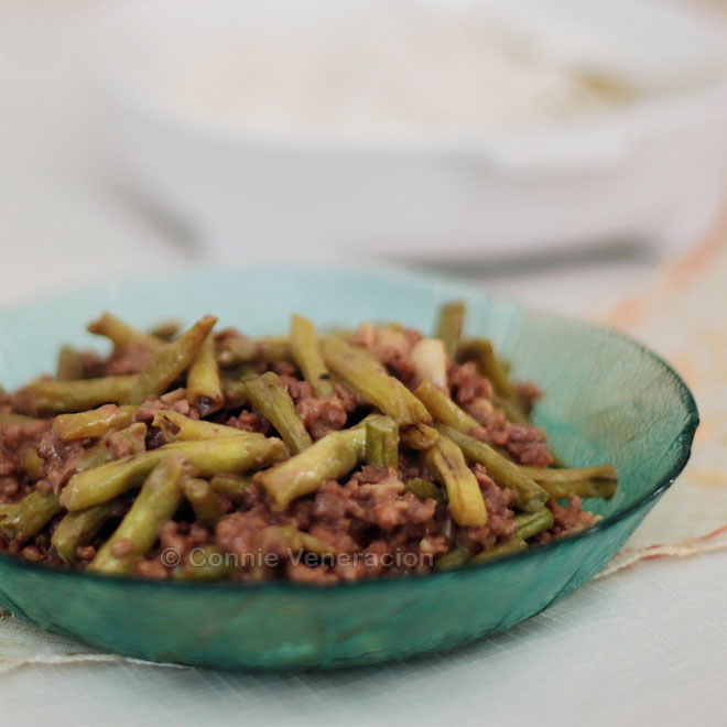 Adobong sitaw sa gata (yard-long beans adobo with coconut cream) | casaveneracion.com