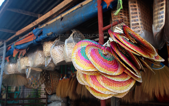 casaveneracion.com Fans made with woven dried coconut fronds